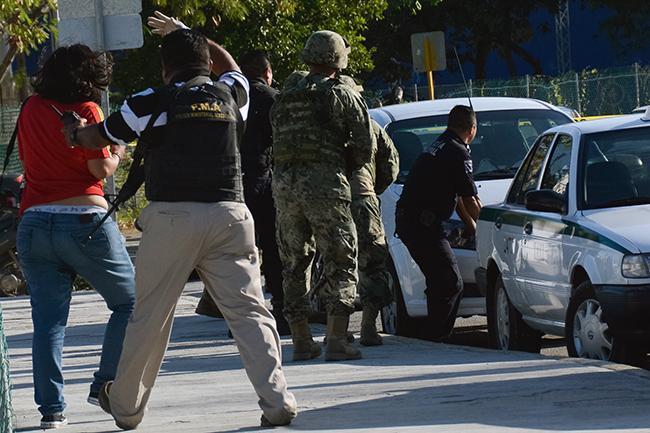 Noticias WBA BA / comando armado ataca fiscalía Cancún